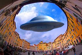 alieni a Lucca
