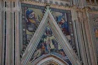 Detalle fachada catedral de Orvieto Bautizo Jesús