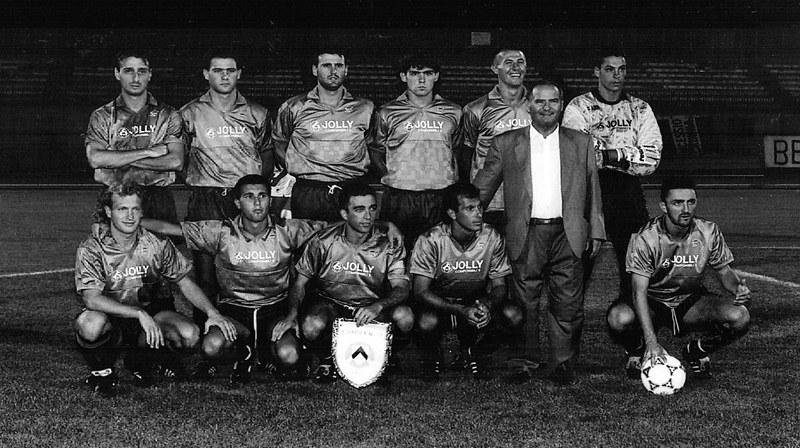 In piedi da sinistra: Marcuz, Bertolone, Vanzetto, Pittana, Dondoni, Tontini. Accosciati: Di Bin, Grossi, Palmisano, Cipriani, il presidente Massimino, Pelosi