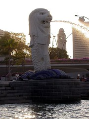 Merlion backlit | by besar bears