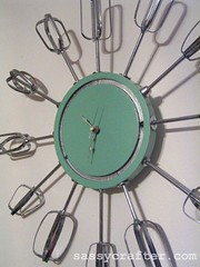 atomic eggbeater clock