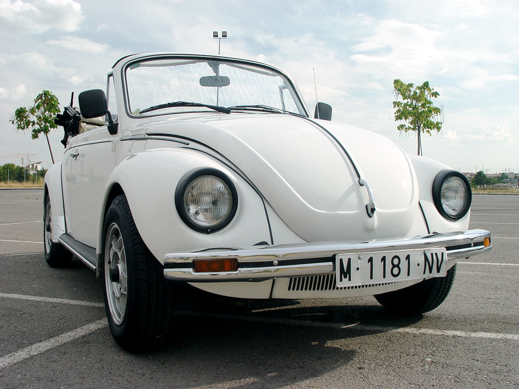 volkswagen beetle 1303 cabrio originalmente creo que era. Black Bedroom Furniture Sets. Home Design Ideas