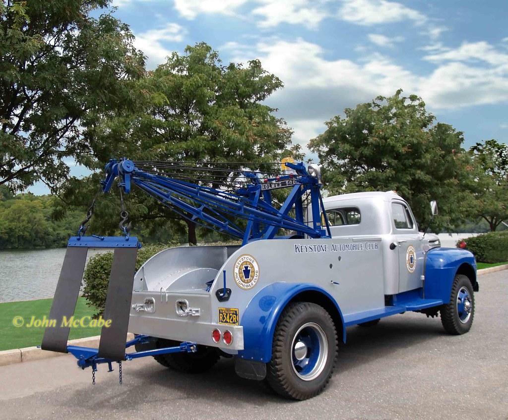1950 Tow Truck >> 1950 Ford F7 Truck | 1950 Ford F7 tow truck. The yellow bubb… | Flickr
