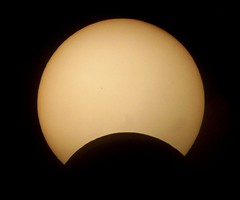 Partial solar eclipse | by Helder da Rocha