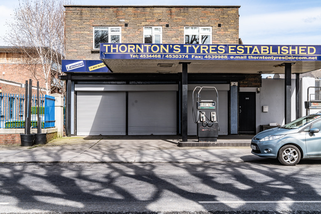 THORNTON'S TYRES [ESTABLISHED 1955] 001