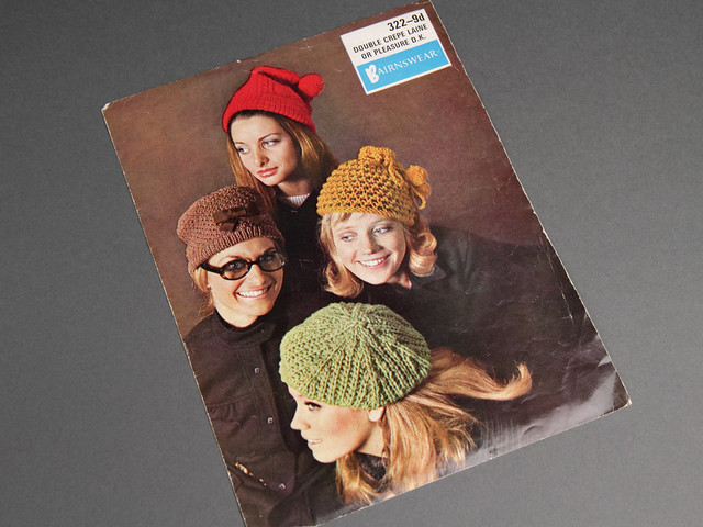 Bairnswear 322 Women's Hats and Beret Vintage Knitting Pattern Leaflet