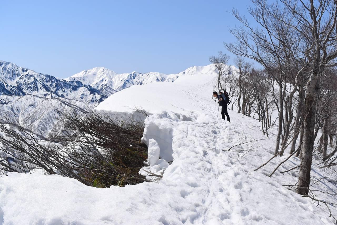 日向倉山 雪庇崩壊箇所