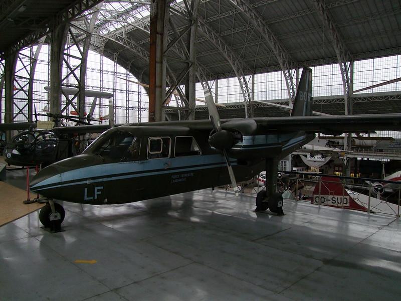 l'Islander de l'Armée de Terre belge. Txt et photos Jean-Loup Via FB 40227234754_6f8f7b22bd_c