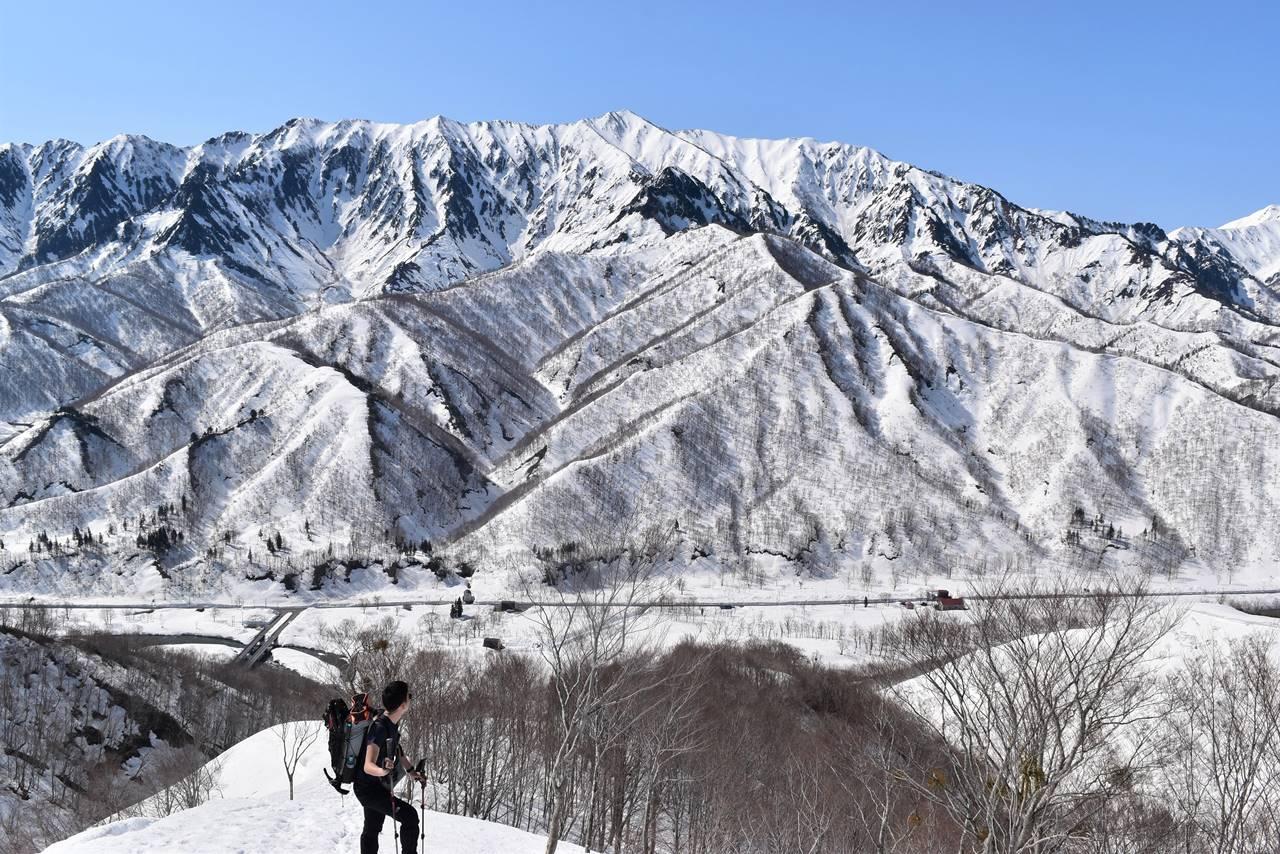 雪の荒沢岳