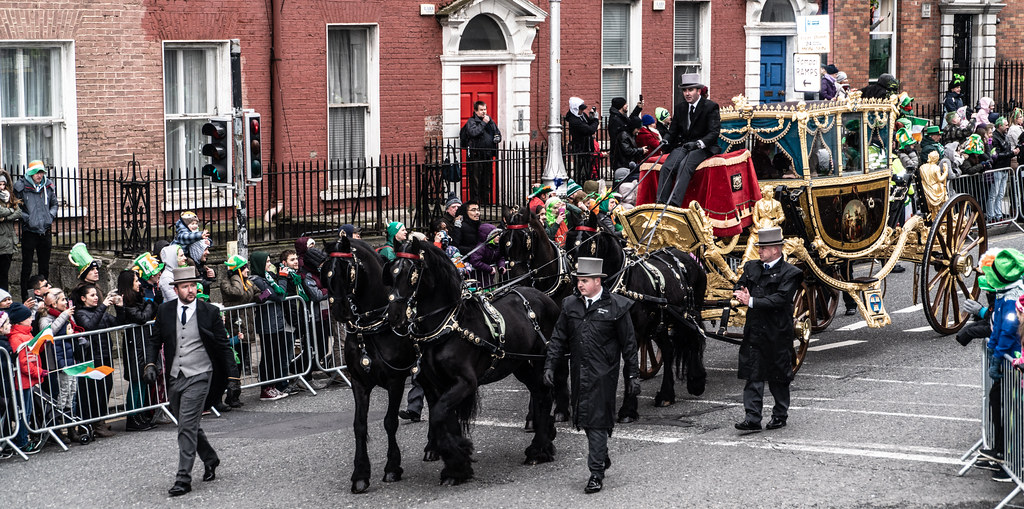 THE DUBLIN LORD MAYOR'S COACH  007