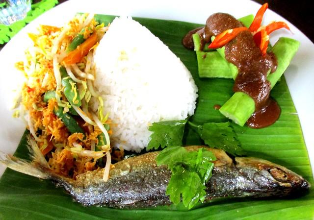 Cafe IND Indonesian ikan sumbat
