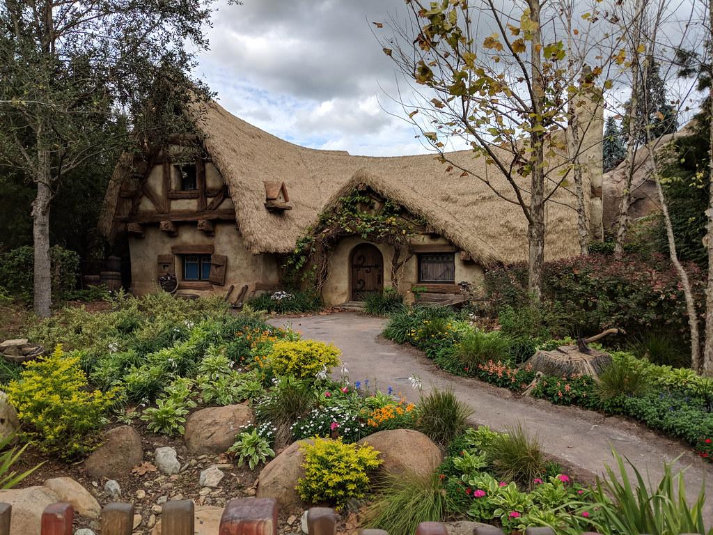 Seven Dwarfs Mine Train - Magic Kingdom | The Dwarfs\' cottag… | Flickr