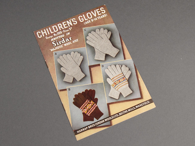 Sirdar 1209 Children's Fair Isle Gloves 60s Vintage Knitting Pattern Leaflet