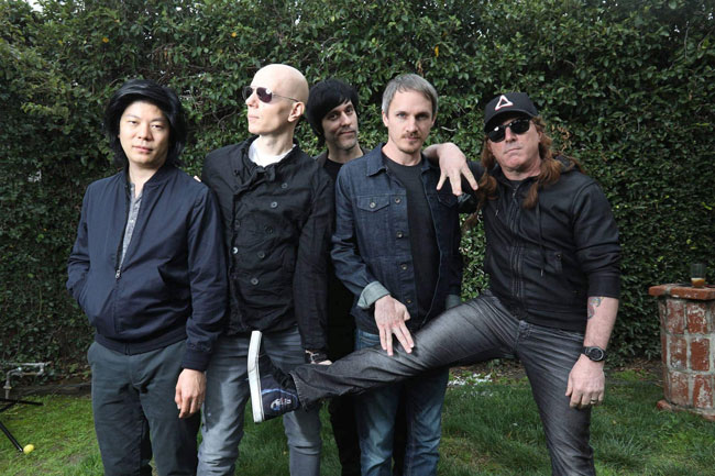 "A Perfect Circle lanza el video oficial del sencillo ""So Long, And Thanks For All The Fish"""