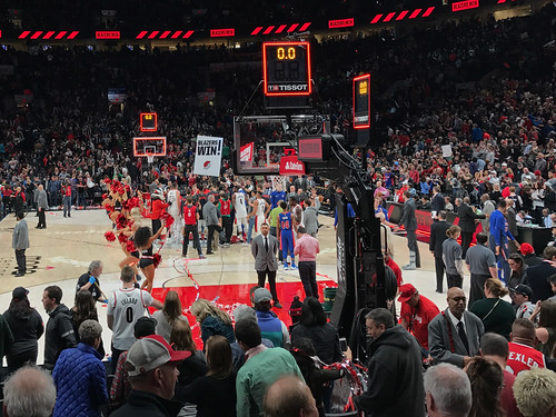 Trail Blazers and Pistons in OR | by Jeff Hollett