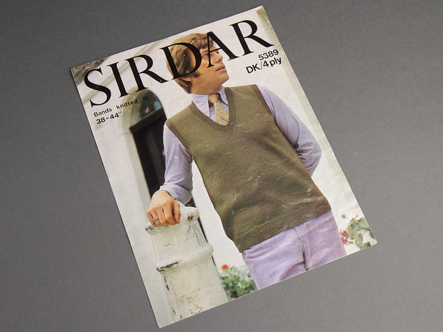 Sirdar 5383 Men's V-Neck Vest/Tank Top 70s Vintage Knitting Pattern Leaflet