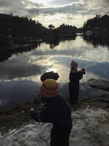 Borna testar fiskelukka
