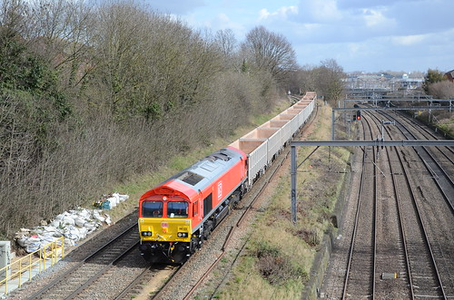 Newly repainted DB 66135 is at Acton Bank working 7V57 Harlow Mill - Acton | by Ian G Hunt UK