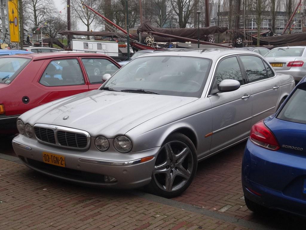 ... 2005 Jaguar XJ8 L   By Harry_nl