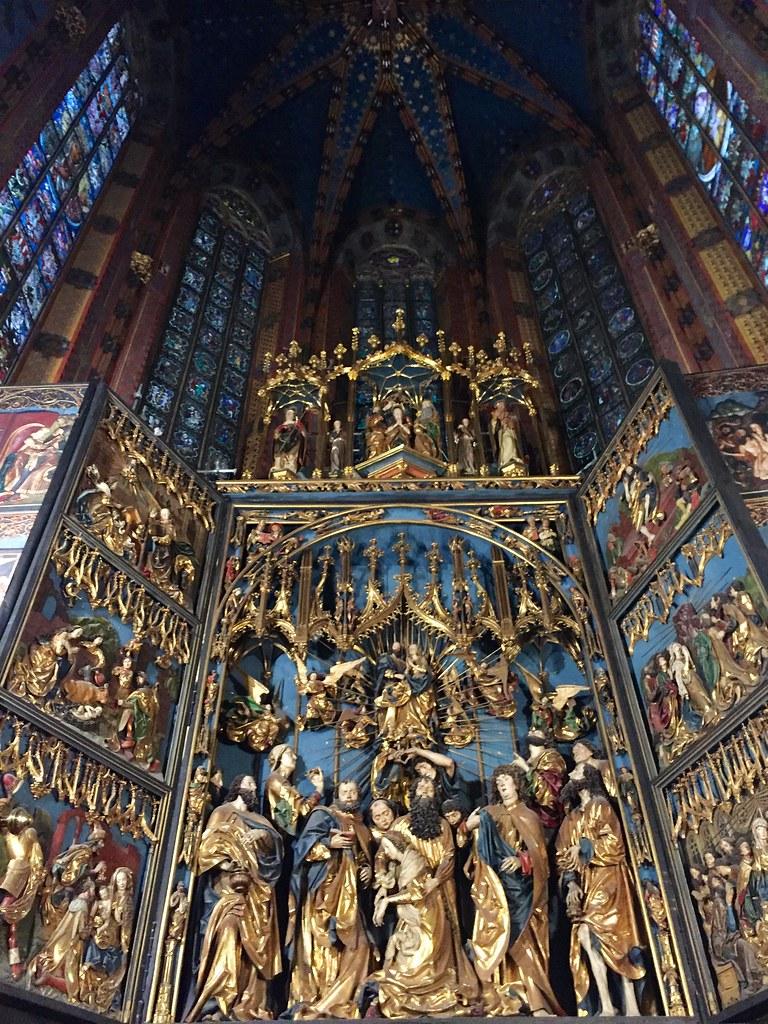 inside St Mariachi
