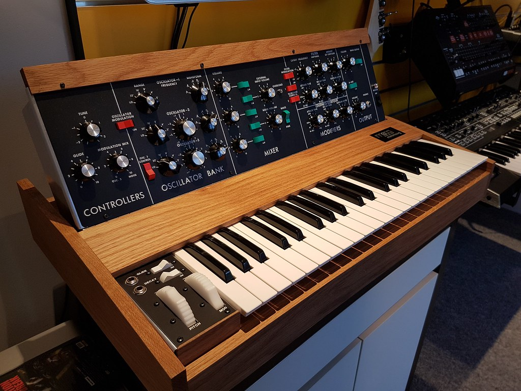 DIY Minimoog Clone V2 0 (MME or Behringer?) 2018 | Flickr
