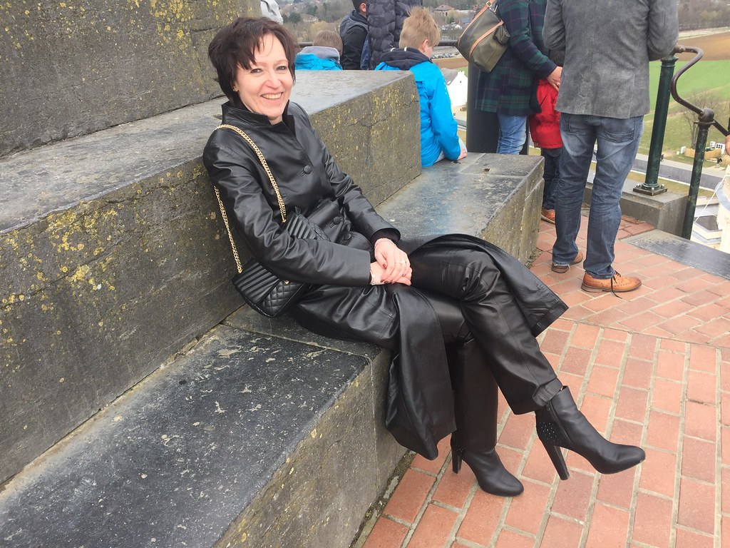 Mature lady in leather