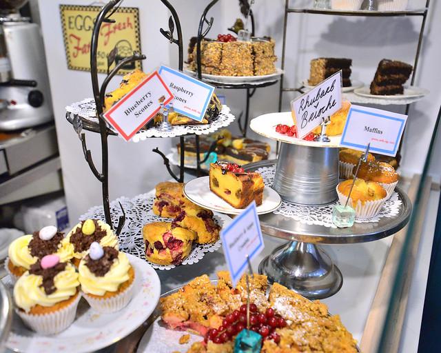 Escaparate de tartas de la pastelería Queen of Tarts de Dublín