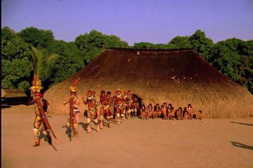 Dança Índio Xingu II - YouTube