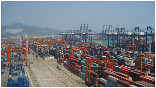Shenzhen Container Port | by Bert van Dijk