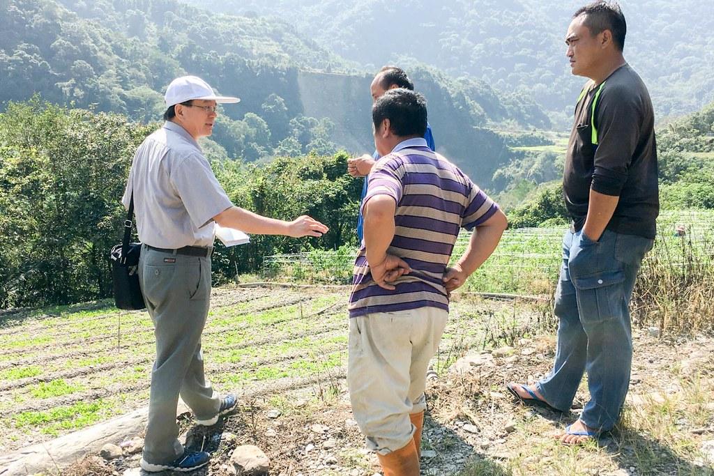 圖2_辦理雞糞粒肥田間施用技術在原鄉之推廣。圖片來源:農傳媒。