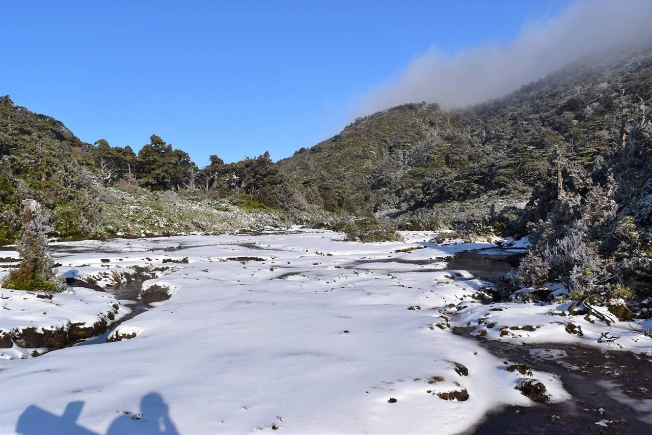 宮之浦岳登山 花之江河の雪景色