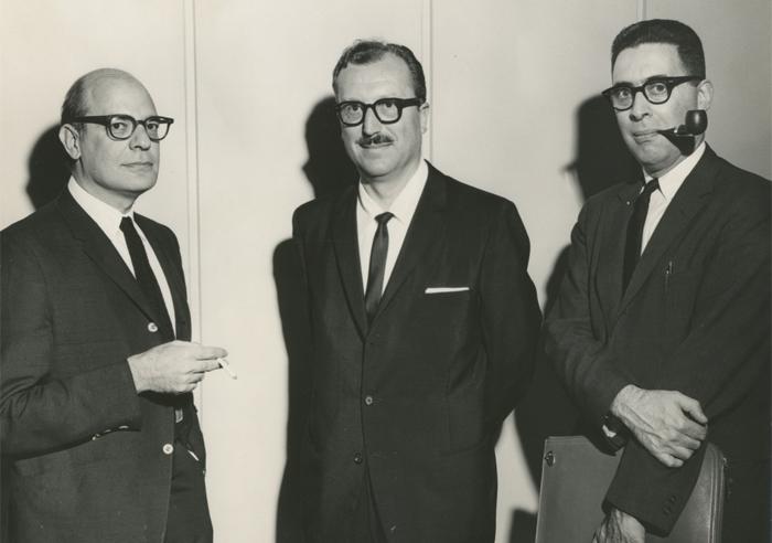 Stanley Schacter, a la izquierda, en un simposio sobre Motivación en Nebraska (1964).