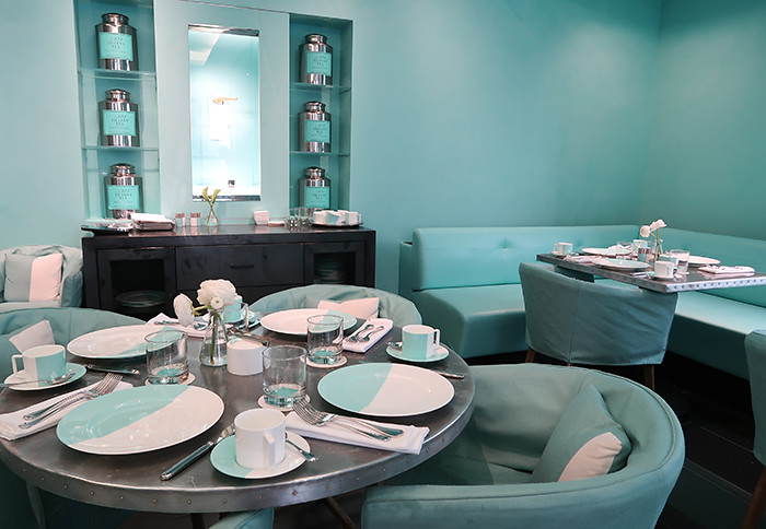 the blue box cafe tiffany 39 s restaurant in new york city. Black Bedroom Furniture Sets. Home Design Ideas
