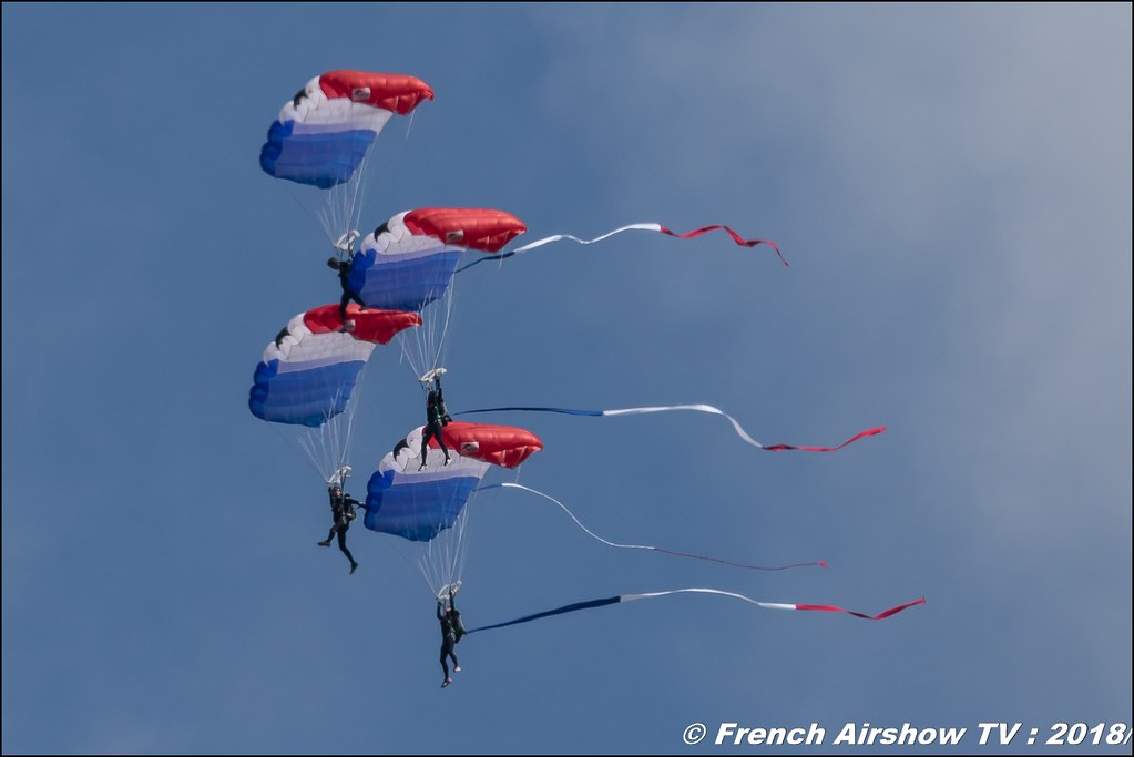 Equipe de France de parachutisme , Meeting Aérien Gap-Tallard 12 mai 2018 - Alpes-Envol , Association AGATHA , Canon EOS , Sigma France , contemporary lens , Meeting Aerien 2018