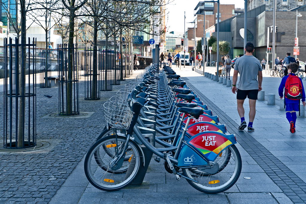 DUBLIN BIKES DOCKING STATION AT GRAND CANAL QUAY 002