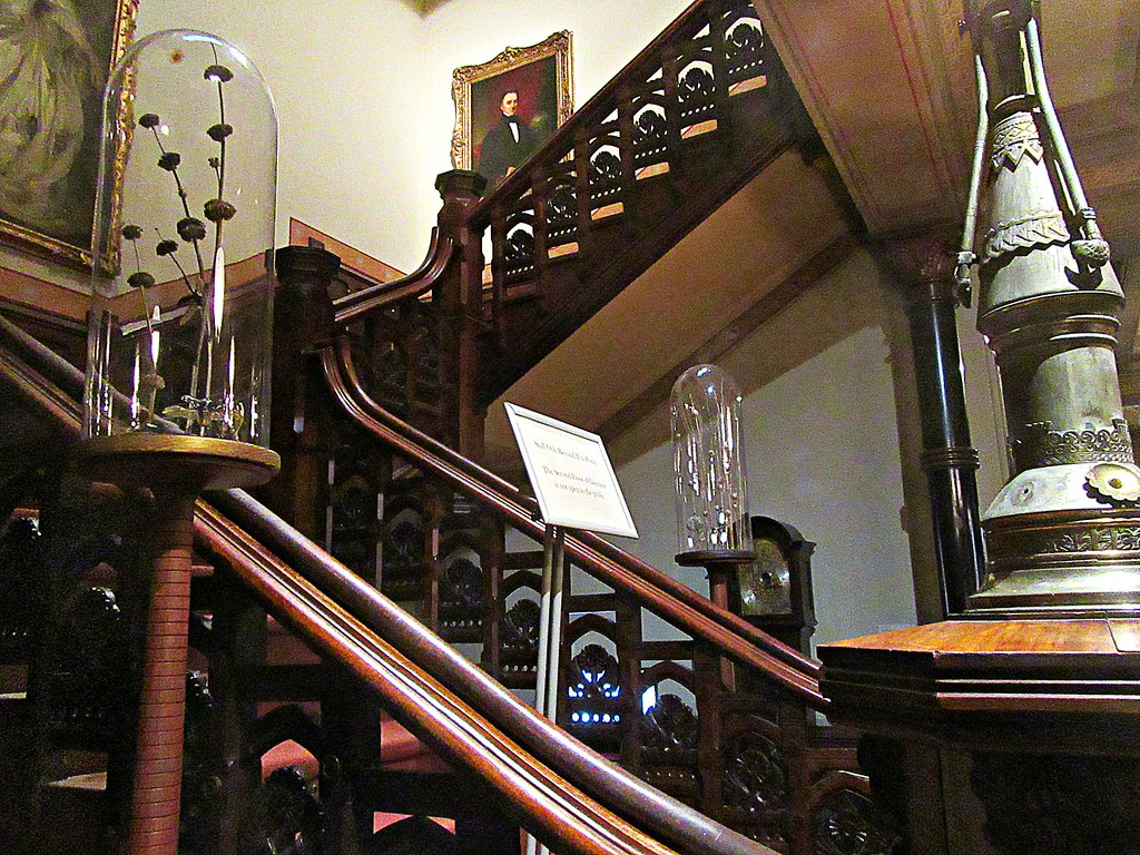 Victorian Staircase   By DannyAbe Victorian Staircase   By DannyAbe