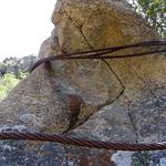 Piton rocheux et chemin du téléphérique du Carciara