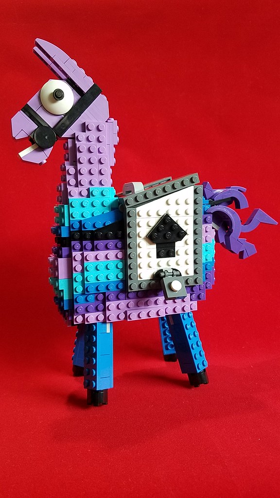 Fortnite Loot Llama I Ve Been Playing Fortnite Battle