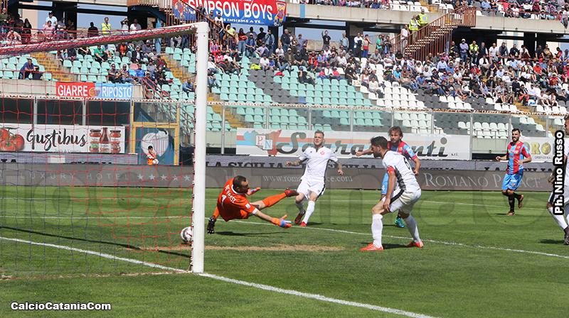 Il primo dei due gol di Brodic