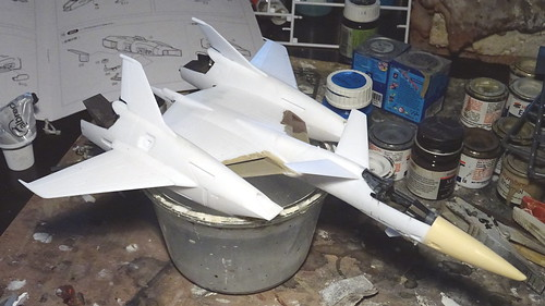 "Macross +++ 1:72 Stonewell/Belcom VF-4A ""Lightning III"" of the U.N. Spacy VAT-127 aggressor squadron (WAVE kit) - WiP 