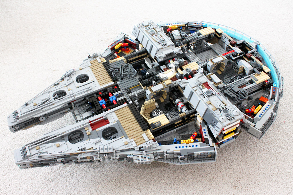 lego star wars ucs millennium falcon 75192 read more. Black Bedroom Furniture Sets. Home Design Ideas