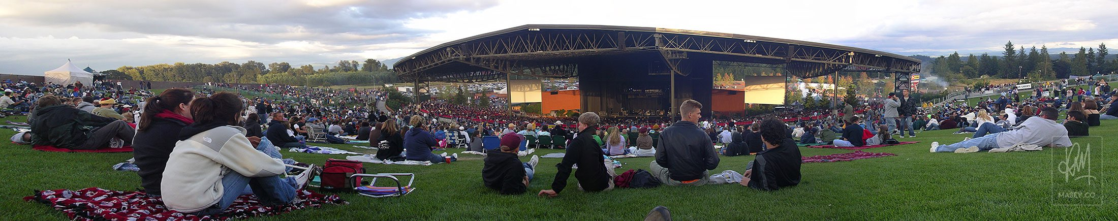 A panoramic capture of the White River Amphitheatre