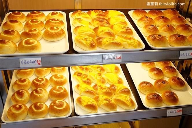 42165357401 5782dc6be7 b - 台中藏阿胖-羅芙青蔥麵包 | 一出爐秒殺狂掃30個,每日限量1500個、二小時就完售!
