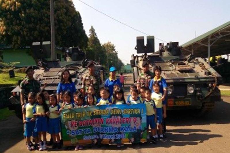 Kunjungan Anak-Anak TK ke Batalyon Kavaleri 9 Satya Dharma Kala
