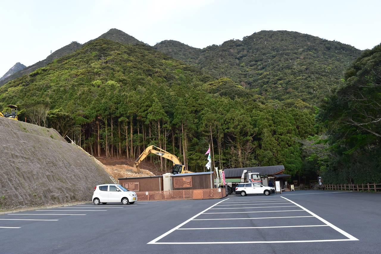 屋久島・千尋の滝駐車場