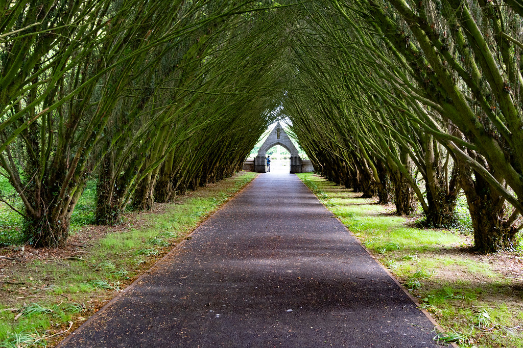 ENTRANCE TO MAYNOOTH COLLEGE CEMETERY 001