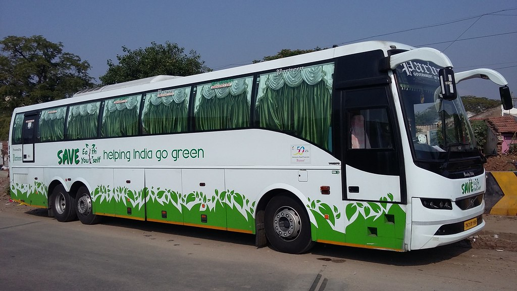 Parveen Travels Tn 21 By 1599 B9r Volvo Multi Axle 2 2 A C Flickr