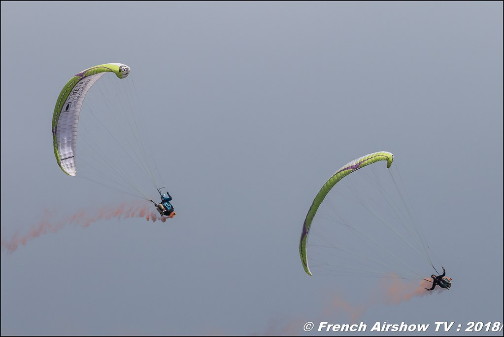 Démonstration de voltige en parapente , Meeting Aérien Gap-Tallard 12 mai 2018 - Alpes-Envol , Association AGATHA Canon EOS , Sigma France , contemporary lens , Meeting Aerien 2018