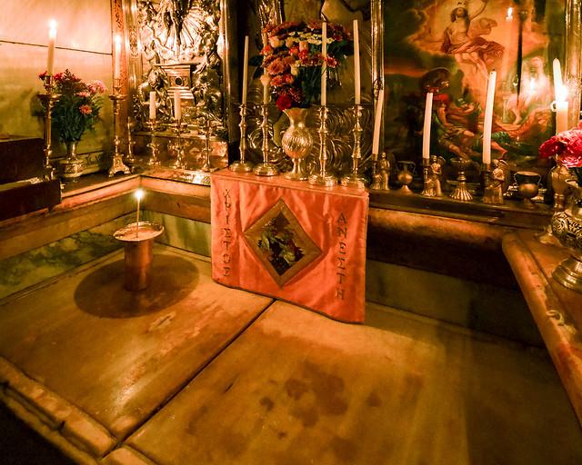 Interior del Sepulcro donde estuvo Jesús