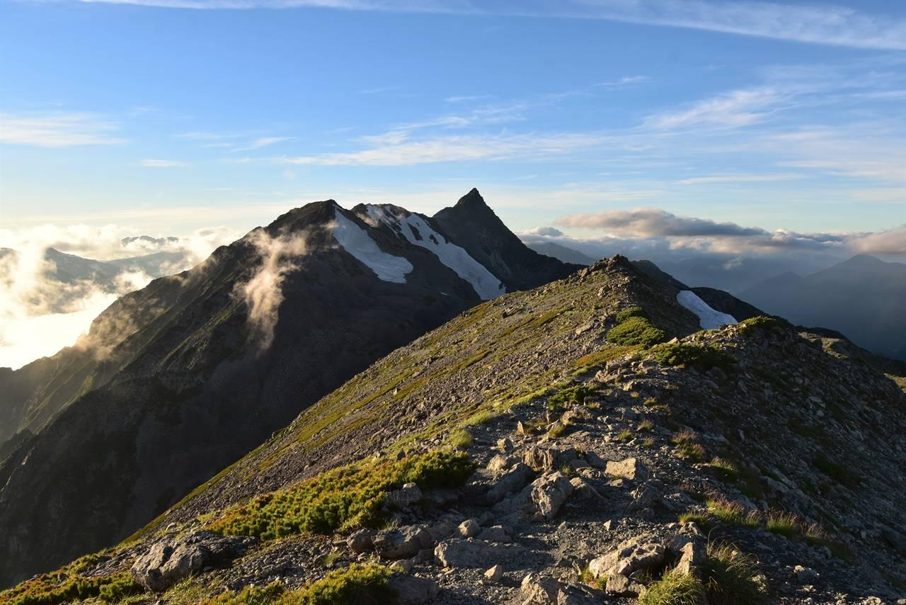 南岳から眺める槍ヶ岳